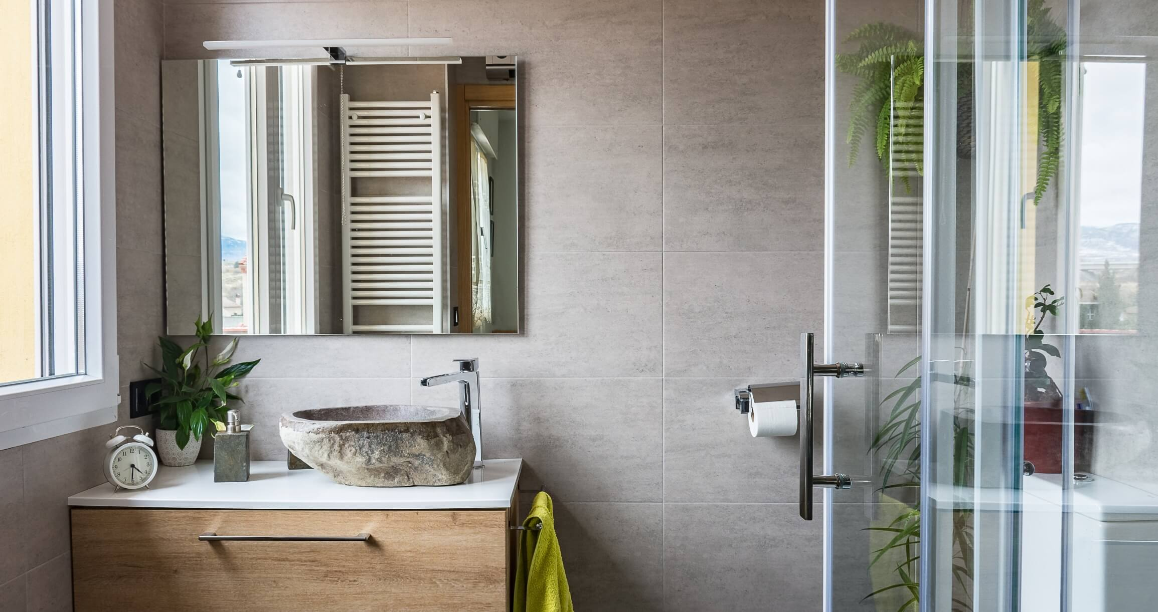 Small-Space Hacks For Bathroom Remodels