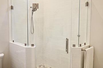 Bathrooms Image 44